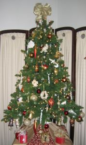 The tree our friend helped Priscilla decorate.